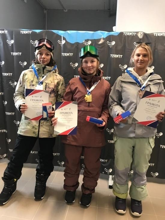 Хаф-пайп принес сахалинской спортсменке серебро чемпионата страны