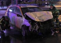 В субботу, 3 апреля, в Москве на улице Орджоникидзе произошла трагедия — два человека погибли при столкновении такси и автомобиля каршеринга