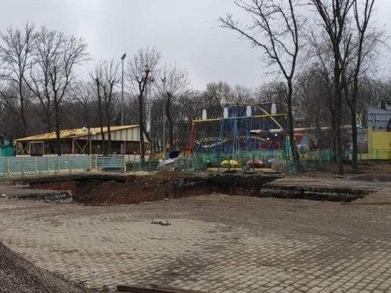В Донецке начали установку нового колеса обозрения: ФОТОФАКТ