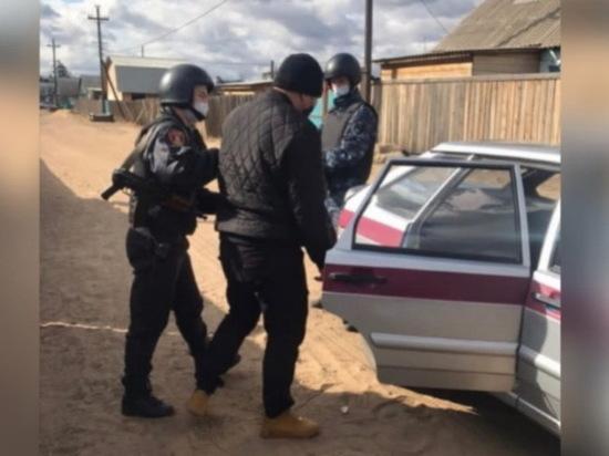 Житель Бурятии украл у собутыльницы 12 тыс рублей во время пьянки