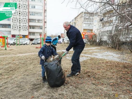 В Улан-Удэ из сквера «Зодчий» вывезли 500 мешков мусора