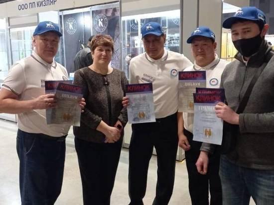 Кузнецы Якутии успешно выступили на крупнейшей выставке ножей в Москве