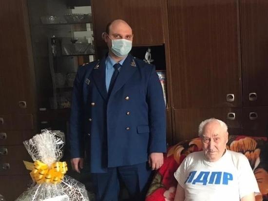 Под Красноярском избили и ограбили ветерана войны
