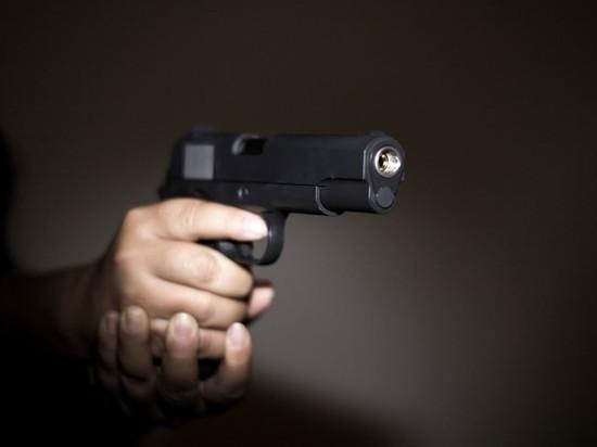 Неизвестный стрелок ранил в шею ребенка на детской площадке в Кингисеппе