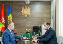 Додон обсудил с мэром Кишинева борьбу с пандемией коронавируса