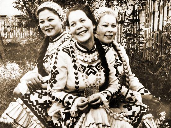 О себе Лидия Сарине (Иванова) говорит так: «Я мама, бабушка и писатель