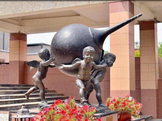Памятник клизме в Железноводске признали самым смешным в России