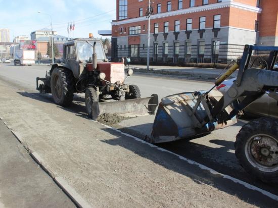 Дорожники завершили очистку «ливневок» в Барнауле