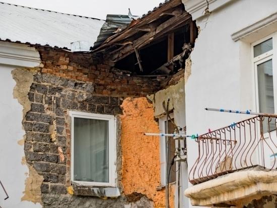 Обрушение в аварийном барнаульском доме: здание должны были снести еще в феврале