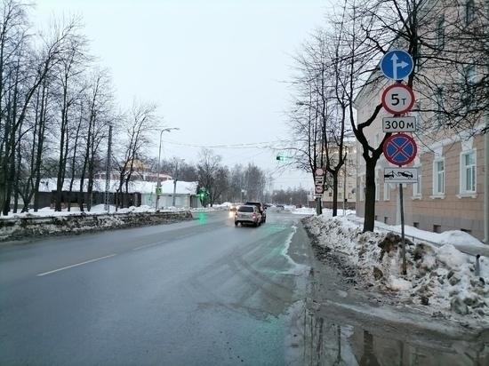 ГИБДД признало нецелесообразным запрет левого поворота к Речному вокзалу