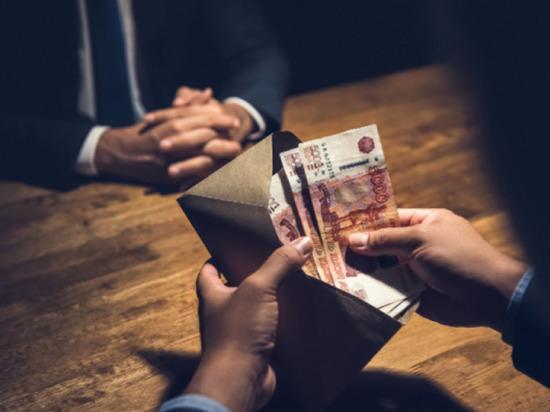 В Петербурге директор нефтяной компании отдал мошенникам 51 миллион рублей