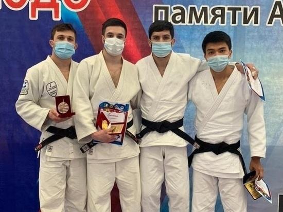 Дзюдоисты из Тюмени привезли медали со всероссийских соревнований