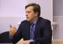 Министр здравоохранения Алтайского края Дмитрий Попов передумал принимать памятную медаль «За особый вклад в борьбу с коронавирусом».