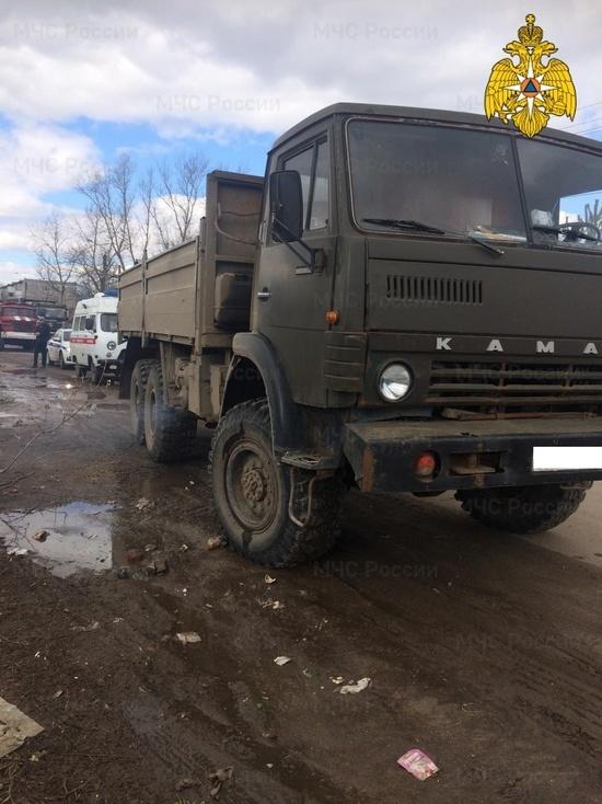 В Малоярославце мужчину сбил грузовик у мусорного контейнера