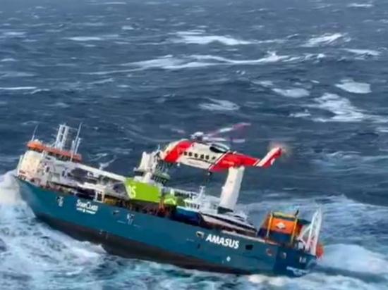 У берегов Норвегии идет спасение экипажа нидерландского танкера