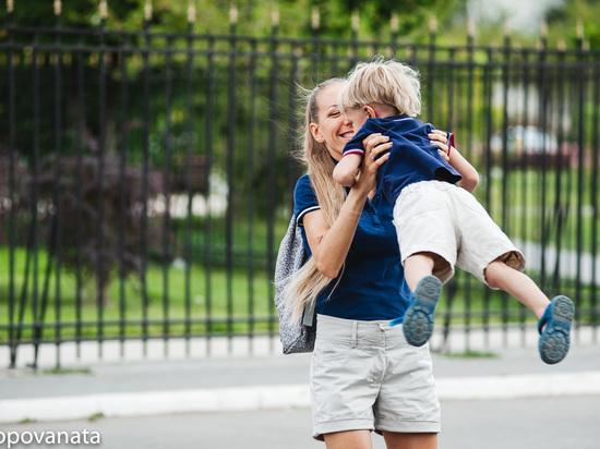 В Калмыкии открылась горячая линия по вопросам выплат на детей