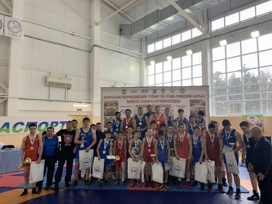 На всероссийском турнире борцы из ЯНАО завоевали 18 медалей
