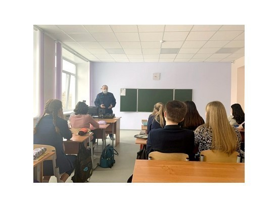 Сотрудник рязанского СК провел для школьников урок правовой грамотности