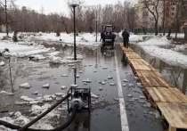 Паводок начался в барнаульском парке «Изумрудный»
