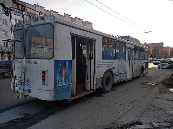 Пассажир троллейбуса в Йошкар-Оле пострадал при падении