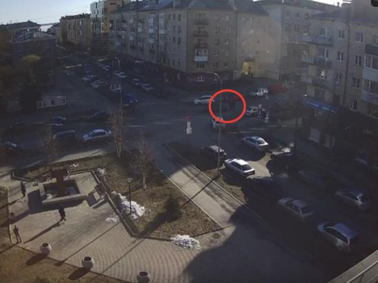 В Петрозаводске водитель сбил пешеходов, которые переходили дорогу