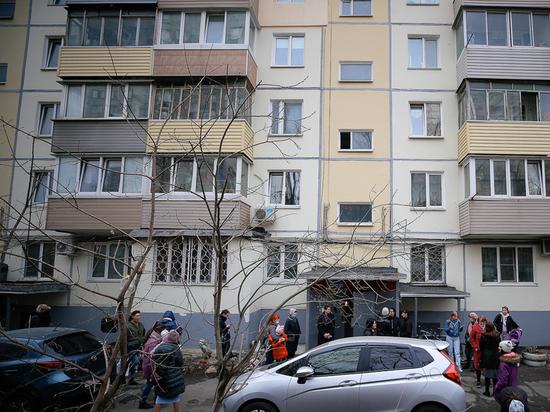 Семья 50 лет ждет квартиру от администрации Владивостока: дети спят на балконе