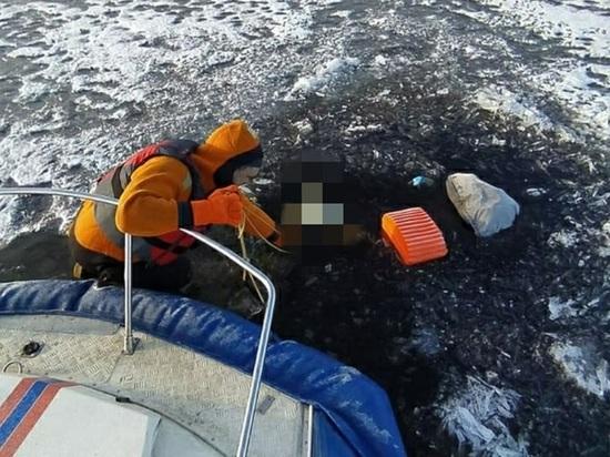 Еще один рыбак из Петербурга рискнул жизнью и утонул в Ладоге