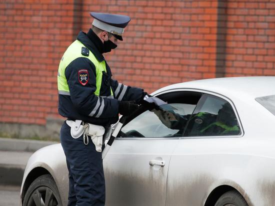 Снимать на видео сотрудников ДПС, даже если они против, разрешил автомобилистам Верховный суд