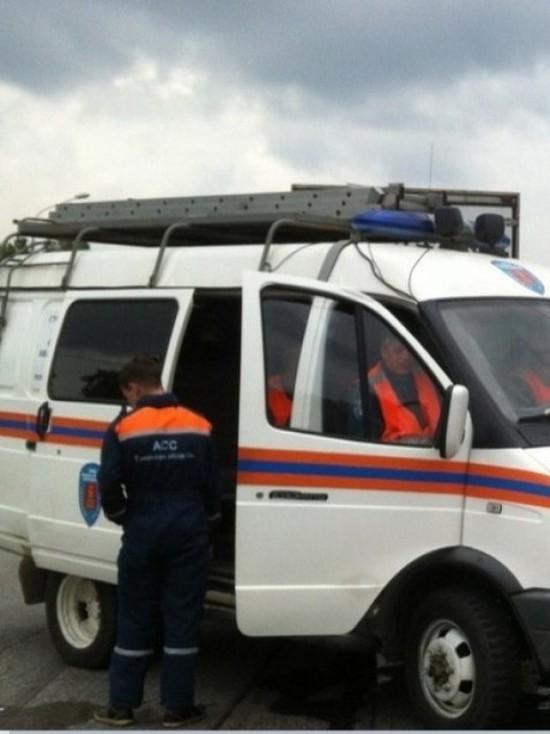 Мини-погрузчик сбил двух пешеходов на улице Герцена в Пскове