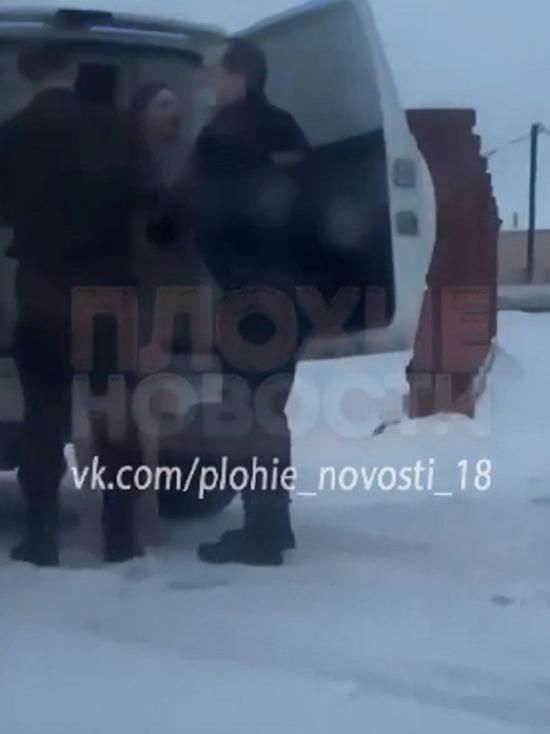 Возле «пожарной» в Ноябрьске поймали обнаженную женщину