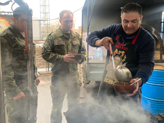 Нормальные герои готовят хашламу