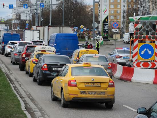 В Воронеже «засыпавший» за рулем таксист умер от инсульта