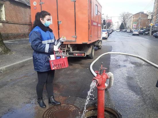 В Ростове «Водоканал» проводит промывку водопроводных сетей и отбор проб воды