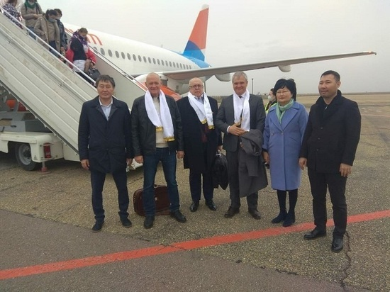 В Калмыкию приехал двоюродный племянник президента страны