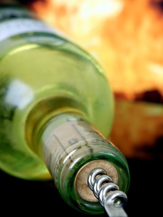 За продажу алкоголя несовершеннолетнему, смолянке грозит до года исправительных работ