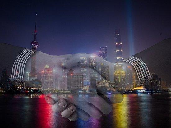 """Глава Минторга США назвала """"коварными"""" действия Китая в сфере торговли"""