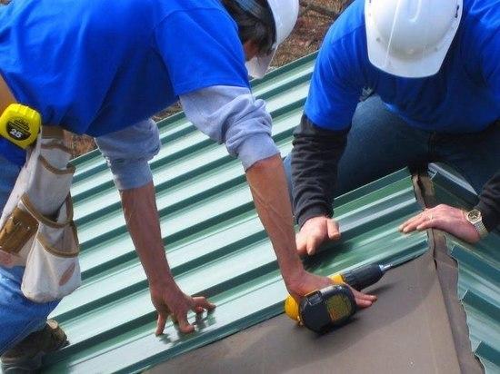 У дома в Усть-Камчатске украли крышу средь бела дня