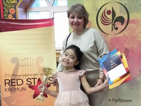 Юная певица из Улан-Удэ нацелилась на выступление в детском «Голосе»