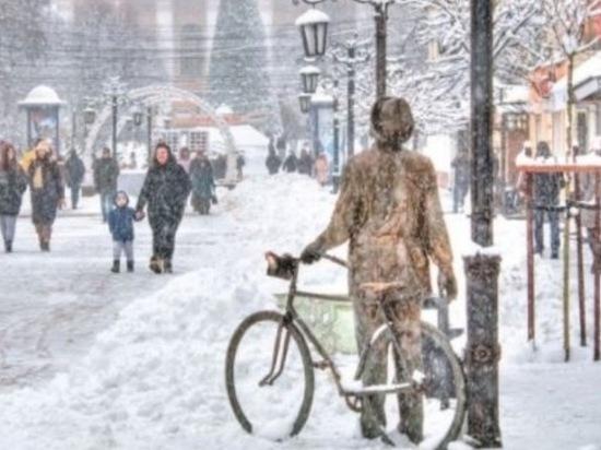 Калужскую область накрыл мощный снегопад