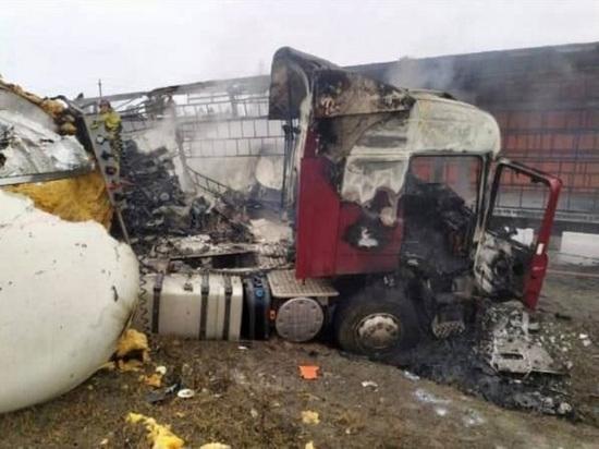На М-5 в Челябинской области водитель фуры сгорел заживо после ДТП