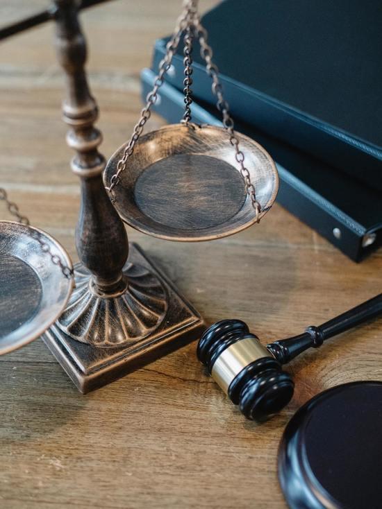 Жителя Новосокольников наказали за использование фальшивых прав