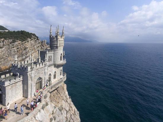 На дне Азовского моря начали искать пресную воду для Крыма