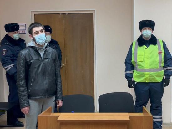В Москве лишили прав водителя, снимавшего на видео езду по встречке