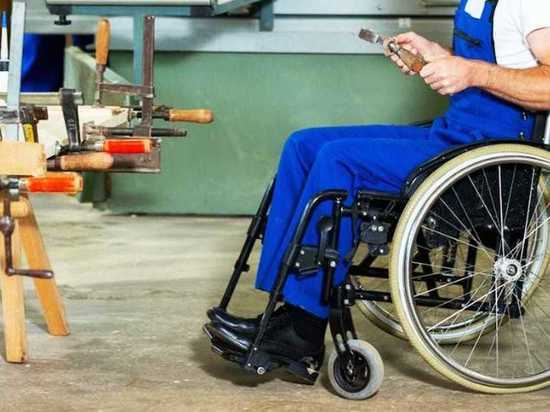 Депутат Госдумы предложила разрешить недееспособным инвалидам пользоваться банковскими картами