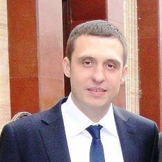 Артем Кошеленко