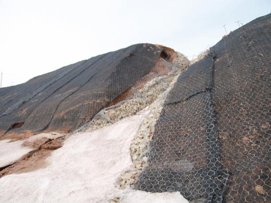 Деньги на ветер: в поселке Экспериментальный укрепили берег за 50 миллионов рублей