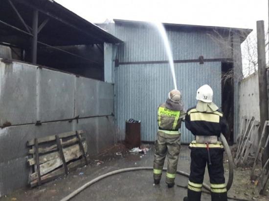 В Кировском районе Волгограда ликвидировали крупный пожар