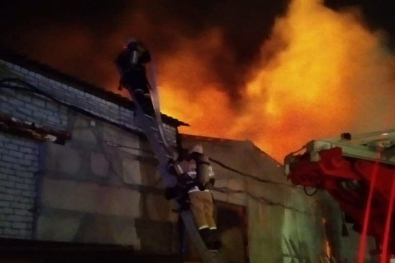 Крупный пожар ликвидировали в Кировском районе Волгограда, фото-2