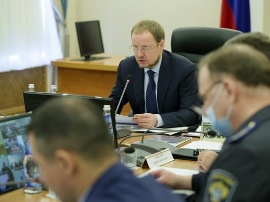 «Меня сократили, им урезали»: Виктор Томенко призвал алтайских министров не манипулировать статистикой