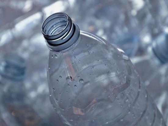Можно ли пить и есть из пластиковой посуды
